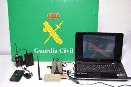 Material utilizado por los detenidos en el examen teórico