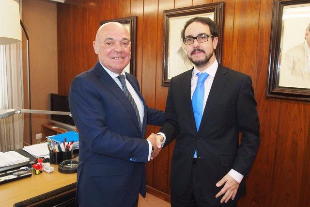 Firma acuerdo FER con despacho abogados para céntimo sanitario