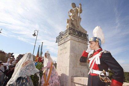 El día grande y último de las fiestas se inicia con una ofrenda floral a San José