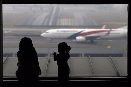 Familiares de los pasajeros chinos amenazan con una huelga de hambre