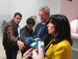 El conselleiro de Presidencia, Alfonso Rueda, y la directora de la Amtega