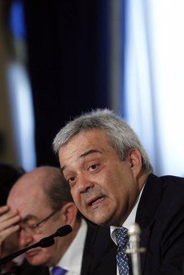 Secretario de Estado de Telecomunicaciones, Víctor Calvo Sotelo.