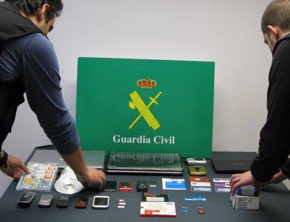 Dos detenidos en Burgos y Murcia por extorsionar y coaccionar a niñas para conseguir fotos comprometidas