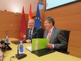 Valcárcel y Bernal durante la presentación del Plan