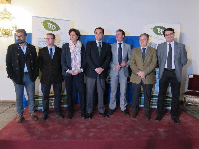 Autoridades y responsables de TSD, Ferntinyetc y la UCO en la presentación