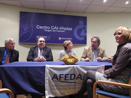 El Ayuntamiento impulsará un acuerdo entre AFEDAZ y Policía Local para tutelar a enfermos de Alzheimer
