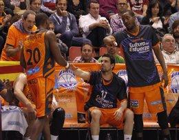 Rafa Martínez y Lafayette en el Valencia Basket