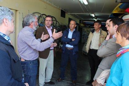 """Espadas se opone al """"desalojo"""" del Club de Piragüismo Triana para su reubicación en """"caracolas"""""""