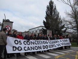 Alcaldes del PSdeG y el BNG protestan contra la subida del canon de Sogama