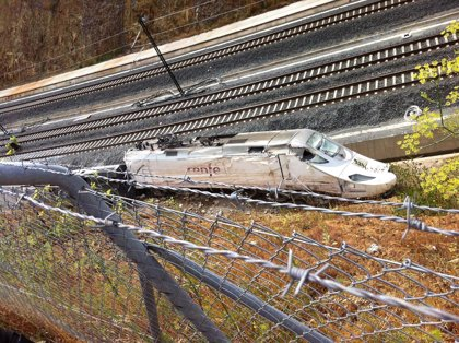 Víctimas del accidente de tren de Santiago exploran la posibilidad de presentar una denuncia en el Parlamento Europeo