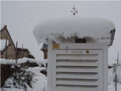 La AEMET premiará a una familia de Mirones que recoge datos lluvia y temperatura desde 1967