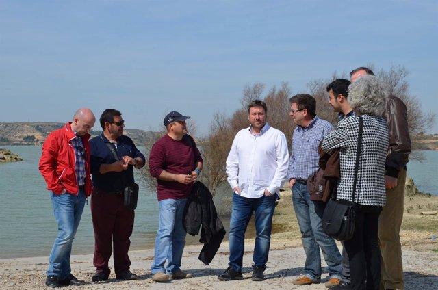 El presidente de CHA, José Luis Soro, visita Caspe y el Mar de Aragón