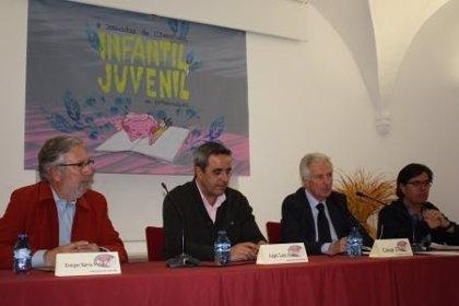 """Díez Solís aplaude la """"implicación"""" de la comunidad educativa de Miajadas (Cáceres) por el fomento de la lectura"""