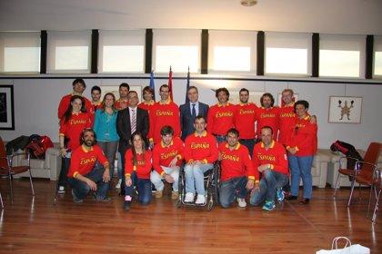 Miguel Cardenal y Ana Muñoz reciben al equipo paralímpico español que participó en Sochi