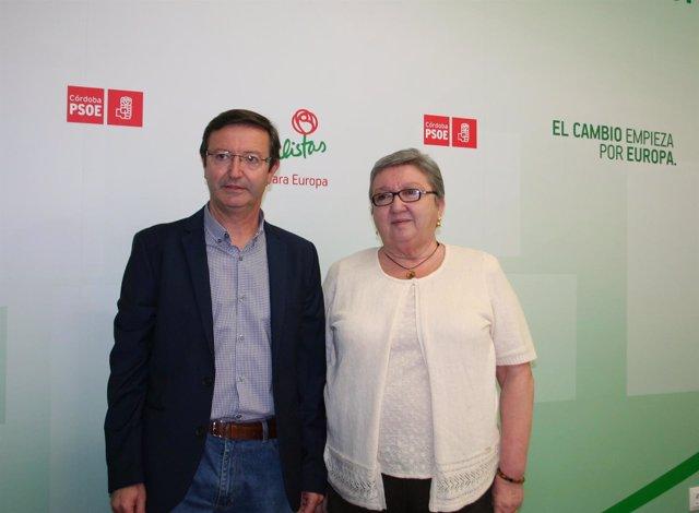 Manuel Aguilar y Maribel Flores en la sede del PSOE cordobés