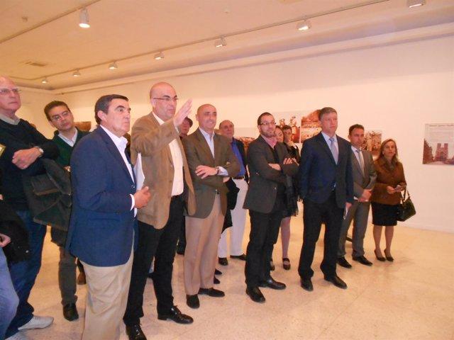 Inauguración de una muestra de fotos en el Museo Provincial de Huelva.