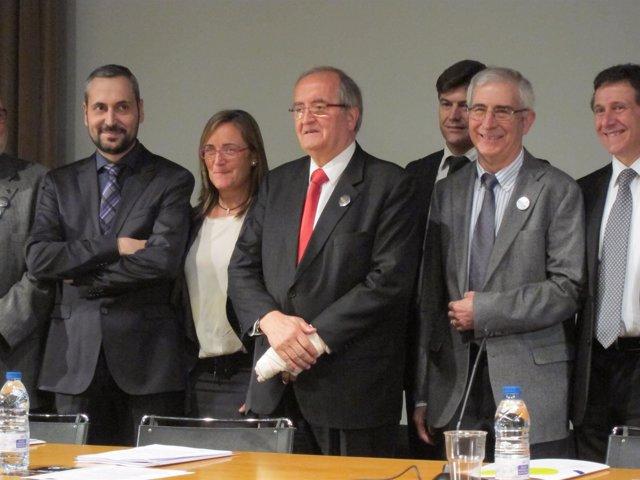 El presidente de Pimec, Josep Gonzalez, y miembros de la patronal en 'Diem prou'