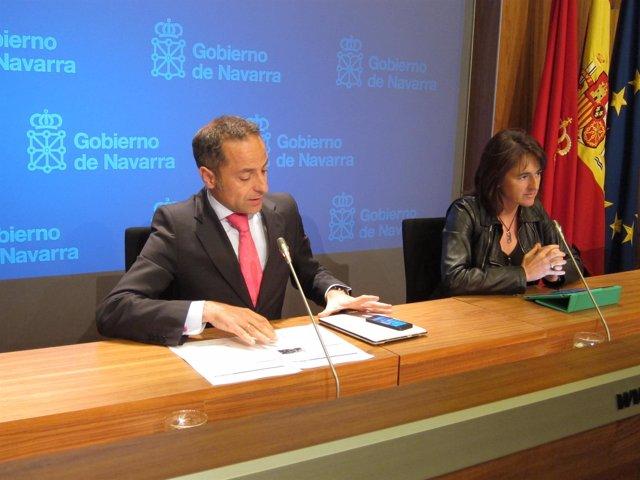 Los consejeros Juan Luis Sánchez de Muniáin y Marta Vera.