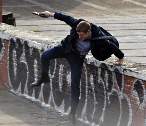 Gotham: nuevas imágenes y primer vistazo al detective Harvey Bullock