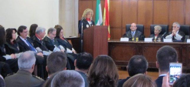 Acto de entrega de la Cruz de San Raimundo a Gracia Rodríguez