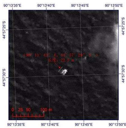 """Satélites franceses corroboran """"posibles restos"""" del avión de Malasia"""