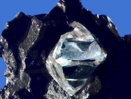 La información se puede transmitir a través de un hilo de diamante