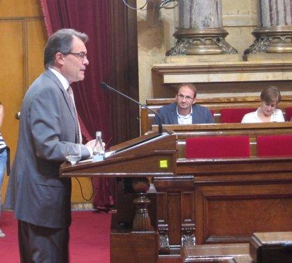 Mas le agradece en nombre de Catalunya el restablecimiento de la Generalitat