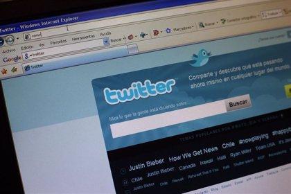 """El presidente Gul habla con los responsables de Twitter para poner fin a su """"ilegal"""" bloqueo en Turquía"""