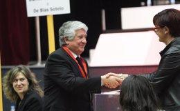 Arturo Fernández votando en CEIM
