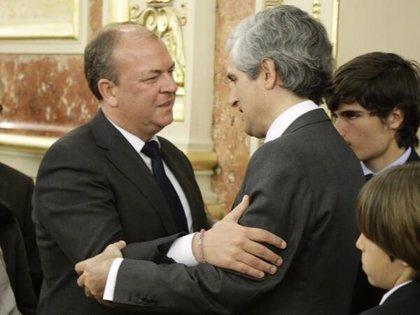 Monago asiste este martes en el Congreso a la despedida de los restos mortales del expresidente