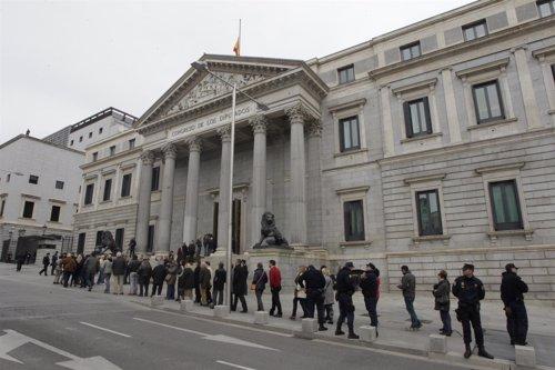 Colas en el Congreso para despedir a Adolfo Suárez
