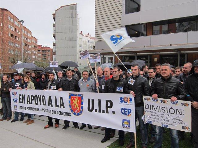 Concentración de sindicatos policiales ante la comisaría de Vigo