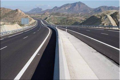 (Ampl.2) El Gobierno plantea rescatar las autopistas tras una quita a la banca de hasta el 50%