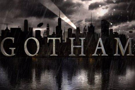 Gotham: Sean Pertwee es Alfred Pennyworth en la nueva imagen oficial