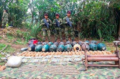 Policía colombiana se incauta de 1.900 kilos de amonal del ELN