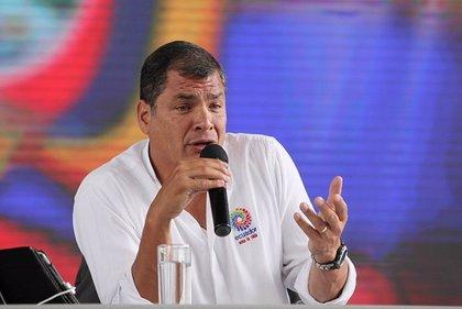 """Correa denuncia """"permanentes"""" ataques informáticos"""
