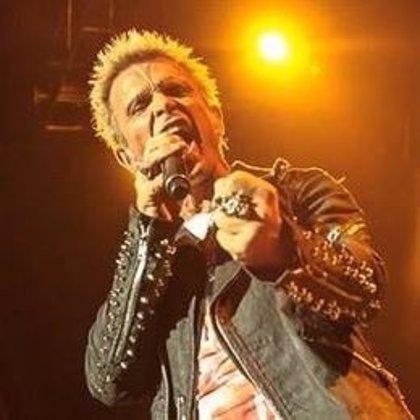 Billy Idol publica disco después de 8 años