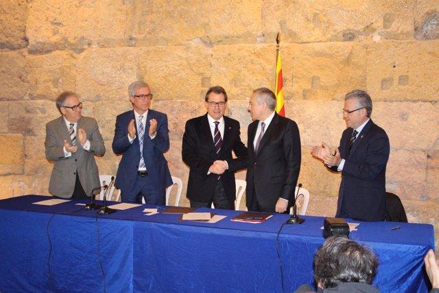 El pte. Artur Mas y el líder del PSC Pere Navarro en el acuerdo sobre BCN World
