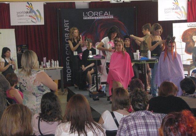 El campeonato de Aragón de FP arranca con el skill de peluquería.