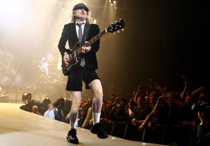 Angus Young en 5 canciones