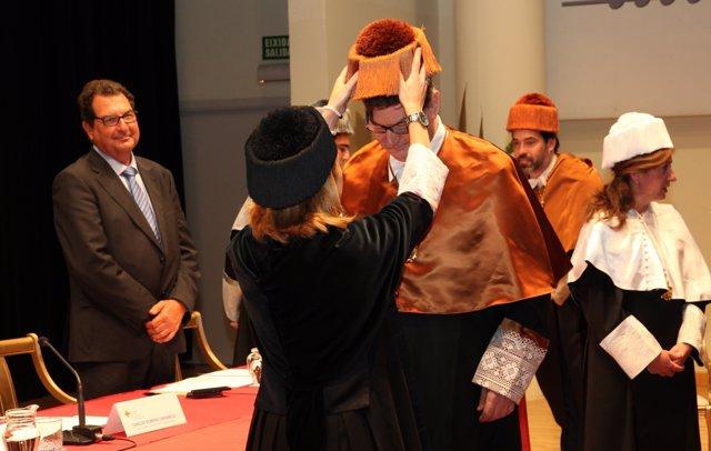 Investidura como honoris causa del presidente del Grupo Geox