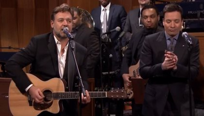 Rusell Crowe canta a Johnny Cash