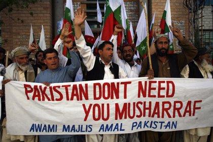 Musharraf escapa por poco a un intento de asesinato en Islamabad