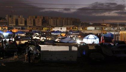 Vecinos de Iquique levantan barricadas