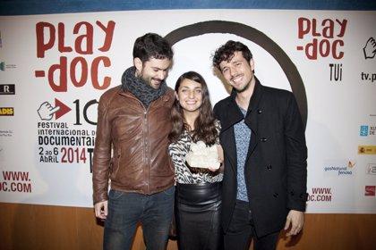 Lois Patiño gana el premio a mejor obra del Play-Doc con 'Costa da Morte'