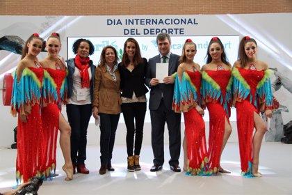 Carbonell presenta el maillot del equipo español de gimnasia rítmica