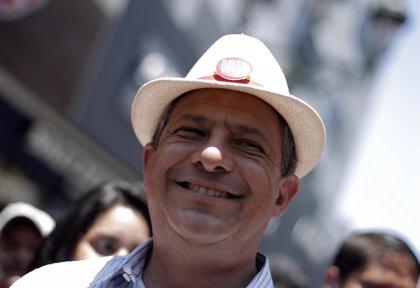 Más de 3 millones de costarricenses votan este domingo a su presidente en una campaña con candidato único