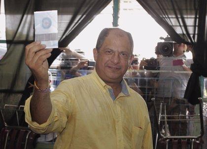 Solís llama a la participación electoral para dar legitimidad a su Gobierno