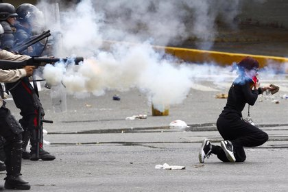 Al menos 20 detenidos por enfrentamientos entre Policía y opositores