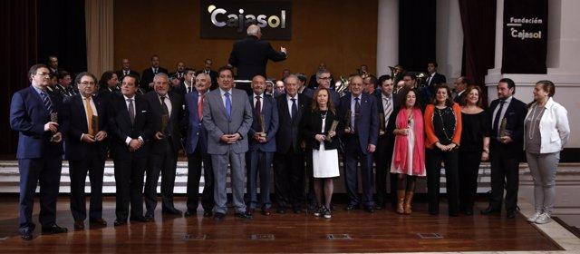 Foto de los galardonados con los Premios 'Gota a Gota' de la Fundación Cajasol